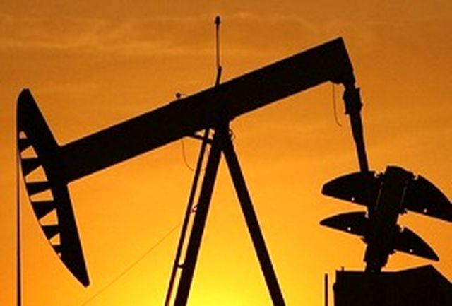 افت ارزش دلار قیمت نفت را بالا برد