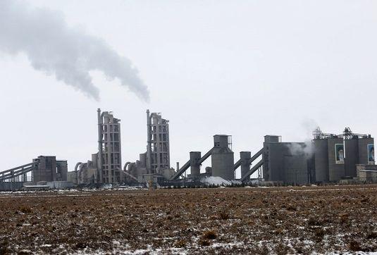 راهی برای کاهش آلایندگی صنعت سیمان/ فناوری تولید بتن که گازهای گلخانهای را کم میکند