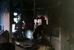 آتش سوزی مقابل دانشگاه آزاد اسلامی/ ۹ نفر نجات پیدا کردند