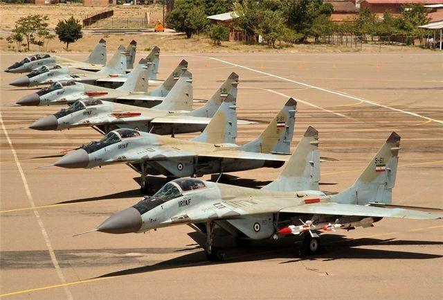 حضور جمعی از نظامیان عالی رتبه در پایگاه هوایی انارک