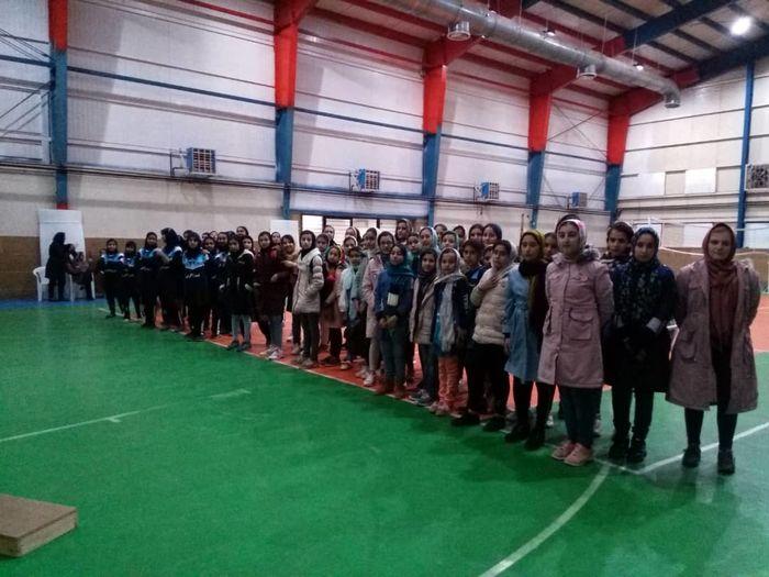 مسابقات والیبال جام فجر شهر اقبالیه برگزار شد