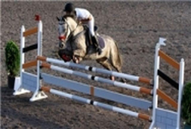 دومین هفته مسابقات لیگ پرش با اسب همدان برگزار شد