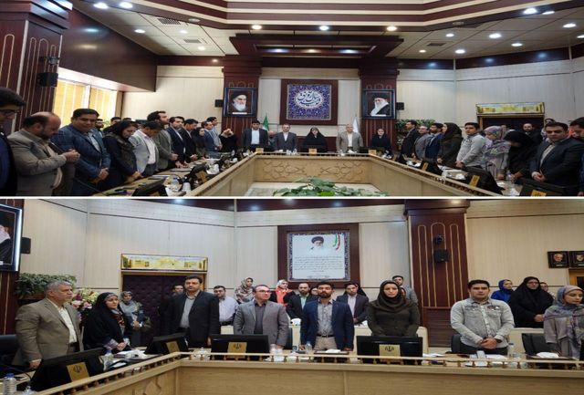 دیدار صمیمانه نخبگان جوان استان تهران با معصومه ابتکار و استاندار