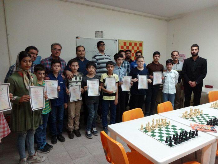 برترین های مسابقات شطرنج گرامیداشت هفته دفاع مقدس  مشخص شدند