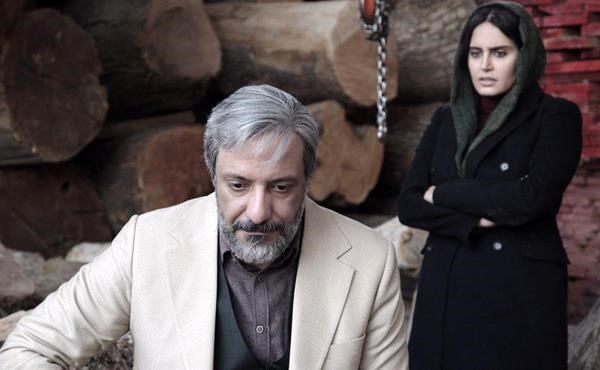 اکران فیلمهای جشنواره فجر در آبادان/فیلمی متکی به تلفن همراه