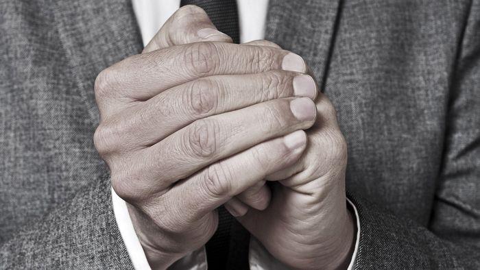 سردی دائمی دستها نشانه چیست؟