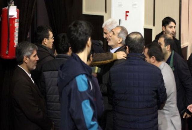 تنش در سخنرانی پزشکیان/   پزشکیان تالار وحدت دانشگاه تبریز را ترک کرد