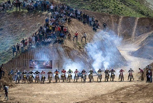 سومین دوره مسابقات موتورسواری در قزوین برگزار شد