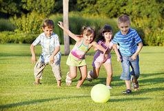 چرا بازی کردن کودکان در فضای باز مهم است ؟