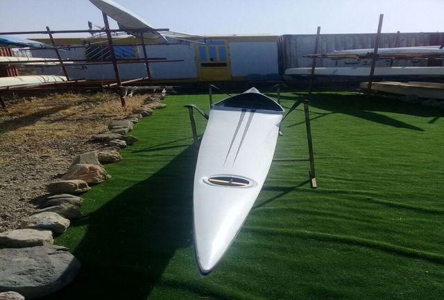 اهدا قایق 250 میلیون ریالی به هیات قایقرانی همدان به یاد شهدای دفاع مقدس
