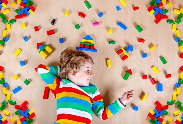 کودکان اوتیسمی را لمس نکنید/ ارتباط کلامی در ابتدای آشنایی ممنوع