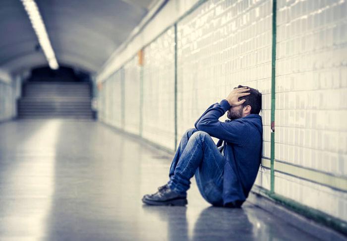 مرد جوان: زن برادرم رازی را برایم فاش کرد که مانند یک سونامی وحشتناک همه زندگی ام را در هم کوبید