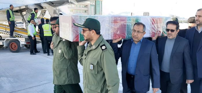 مراسم استقبال از دو شهید والا مقام سانحه هواپیمایی اکراینی در فرودگاه لارستان