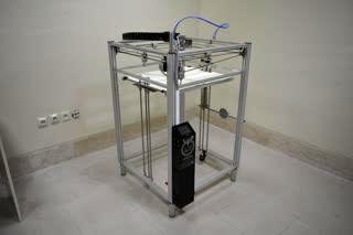 طراحی و ساخت بزرگترین چاپگر سه بعدی کشور با قابلیت تولید کامپوزیت های الیافی