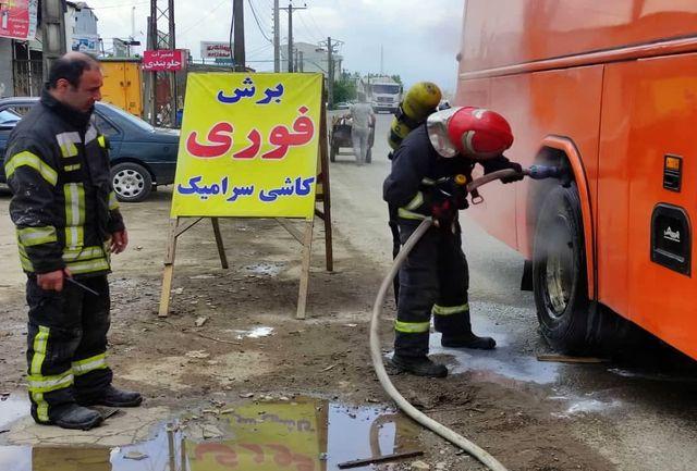 آتش گرفتن لاستیک اتوبوس در حال حرکت