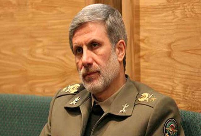 وزیر دفاع: مردم ایران امروز پاسخ دندان شکنی به ترامپ دادند