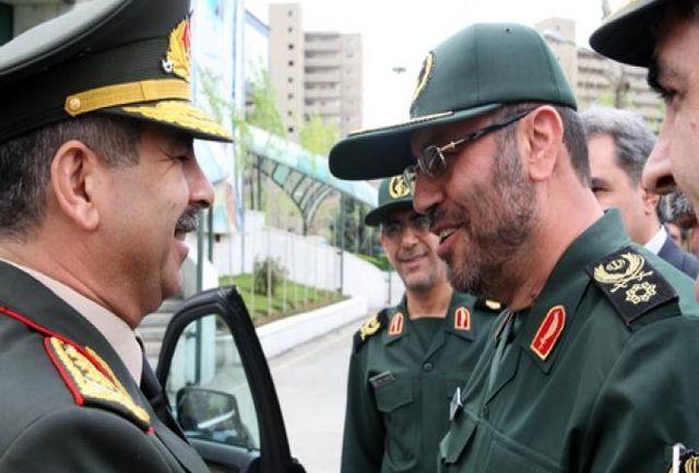 وزرای دفاع ایران و آذربایجان بر گسترش روابط دفاعی تأکید کردند