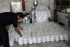 توزیع غذای گرم در منطقه سیل زده استان خراسان جنوبی