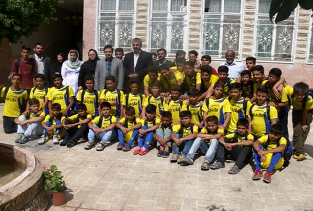 رئیس اداره ورزش و جوانان شهرستان ملارد از خانه سالمندان ماندگاران فریماه بازدید کرد