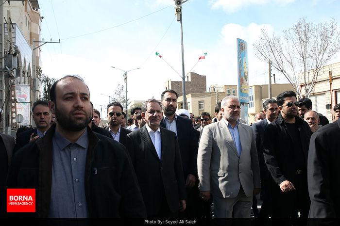 حضور جهانگیری در جمع راهپیمایان ۲۲ بهمن در زاهدان