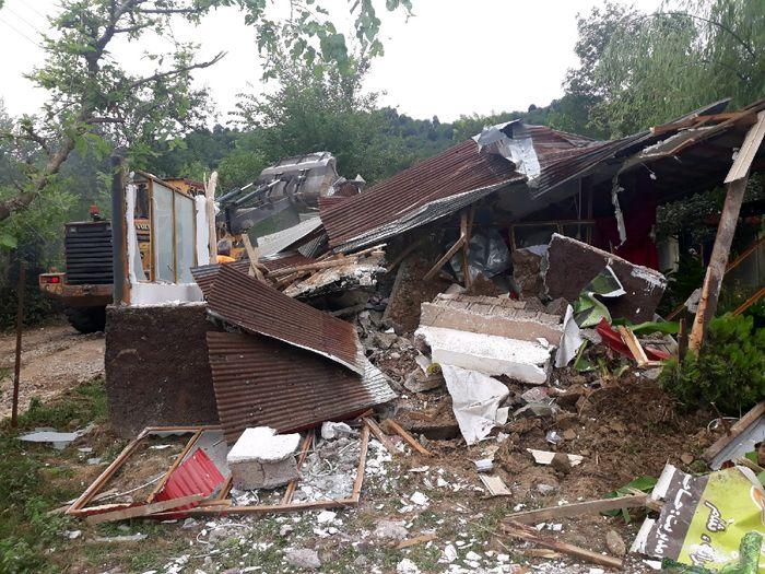 تخریب یک رستوران غیرمجاز در گیلان