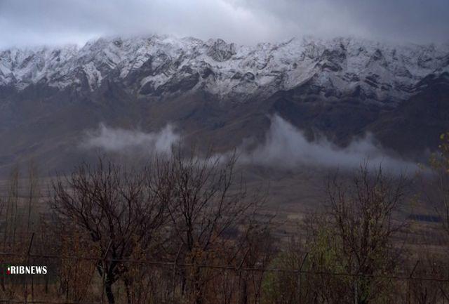 نخستین بارشِ برف پاییزیِ استان اصفهان