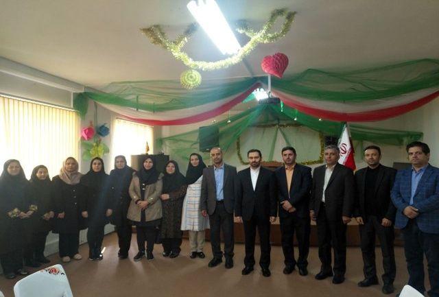 سفیر کشورمان از مدرسه سفارت در ایروان بازدید کرد