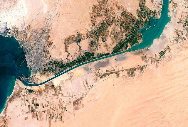تجمع کشتیها در کانال سوئز/ ببینید