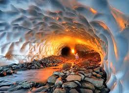 نجات  بانوی خرم آبادی از تونل برفی ازنا