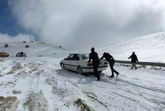 172 مسافر گرفتاردر راه های استان مرکزی امداد رسانی شدند