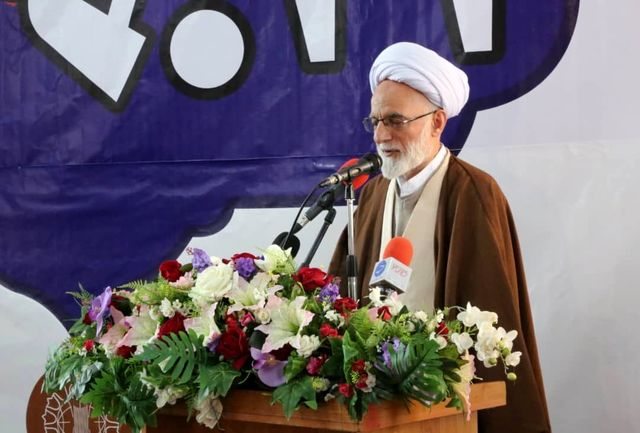 ترویج مکتب سردار سلیمانی با قدرت در جامعه دنبال شود