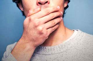 بوی بد دهان را با این ماده غذایی نابود کنید