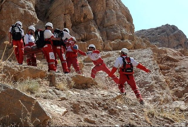 نجات کوهنوردان در ارتفاعات پرآو