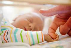 چگونه کودکی را به فرزندی بپذیریم؟