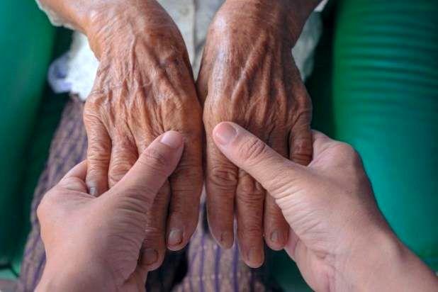 مهمترین نشانه های بروز پیری در بدن چیست؟
