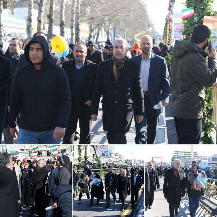 وزیر نیرو در راهپیمایی 22 بهمن حضور یافت