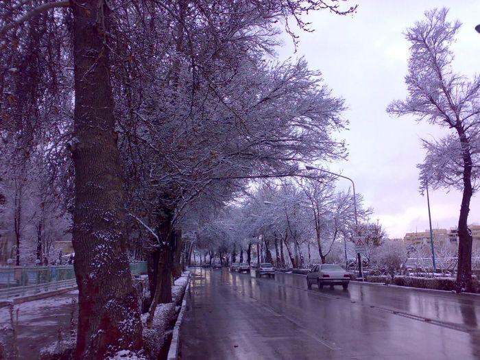 بارش باران و برف در راه گیلان