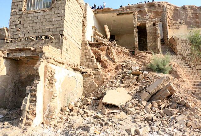 تخریب یک واحد مسکونی براثر ریزش کوه
