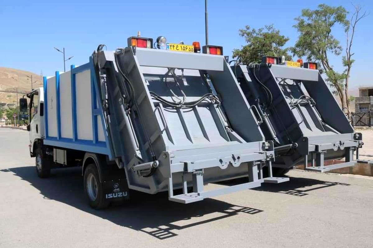 اضافه شدن چهار دستگاه خودرو مکانیزه حمل زباله به ناوگان خودرویی خدمات شهری سنندج