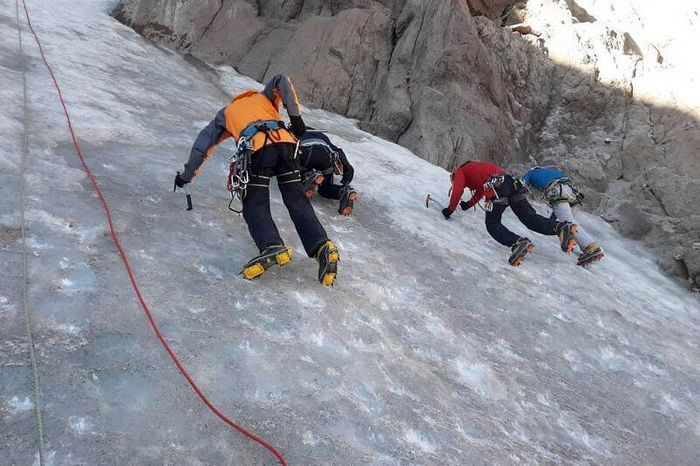 قبولی ۳ کوهنورد خوزستانی در آزمون ورودی مربیگری درجه ۳ برف و یخ کشور