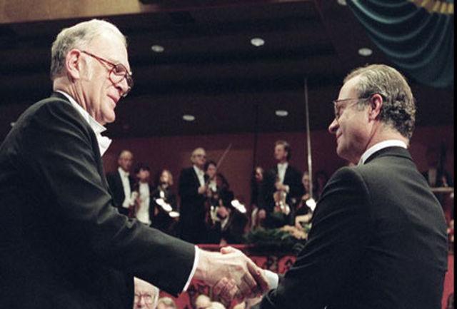برنده جایزه نوبل 1995 درگذشت