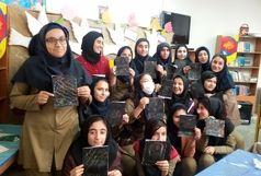 استقبال دانش آموزان از کلبه نقاشی نمایشگاه کتاب در هرمزگان