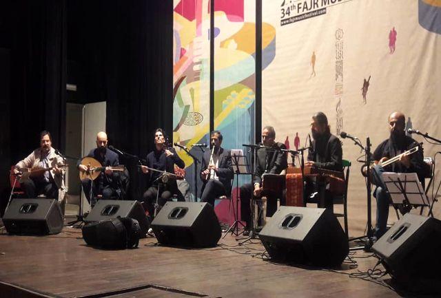 اجرای گروه موسیقی همایون پرنیا در صحنه تالار ایوان شمس