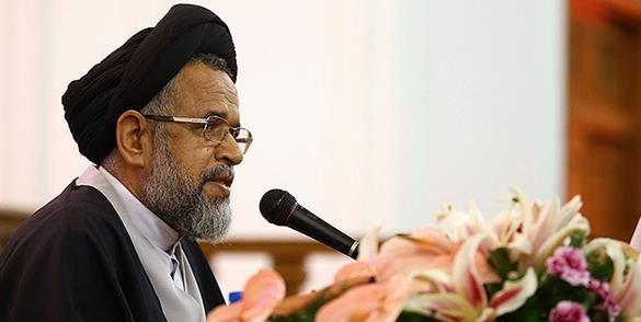 انقلاب پرچم مقدس ایران را بر فراز قله عزت و سربلندی برافراشت
