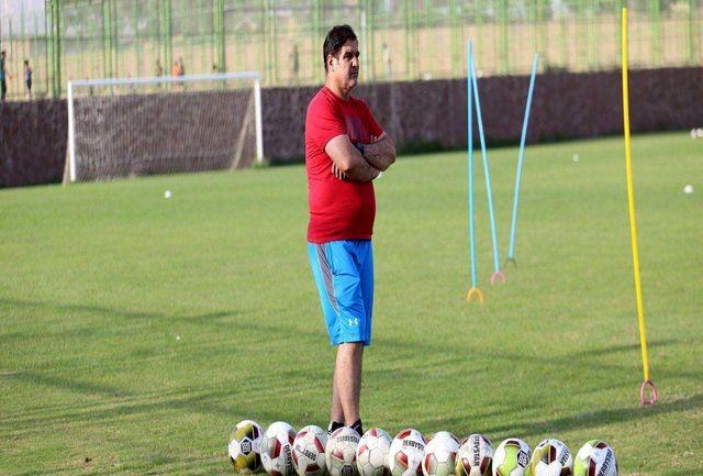 مهاجری: امروز به اردوی کردان میرویم/ در دو پست دیگر بازیکن نیاز داریم