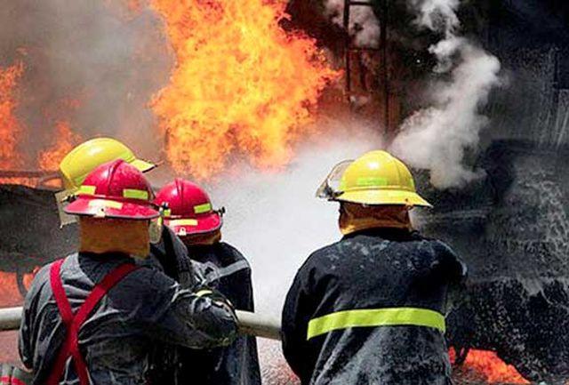 آتش نشان و پیرزن طعمه حریق شدند