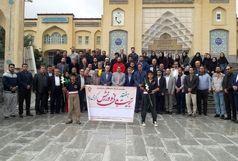 عطر افشانی و گلباران گلزار شهدا با حضور جامعه ورزش استان همدان برگزار شد