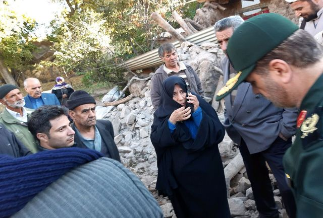 حضور صدها نفر از بسیجیان در مناطق زلزله زده