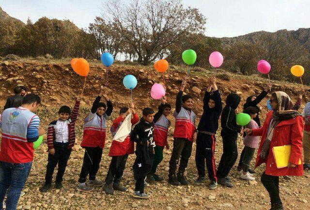 گلگشت دوروزه کاشت بلوط در مناطق زلزلهزده روستای سرخهدیژه