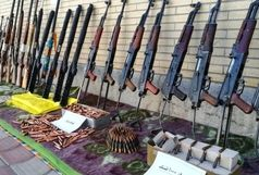 کشف ده ها اسلحه جنگی در غرب کشور